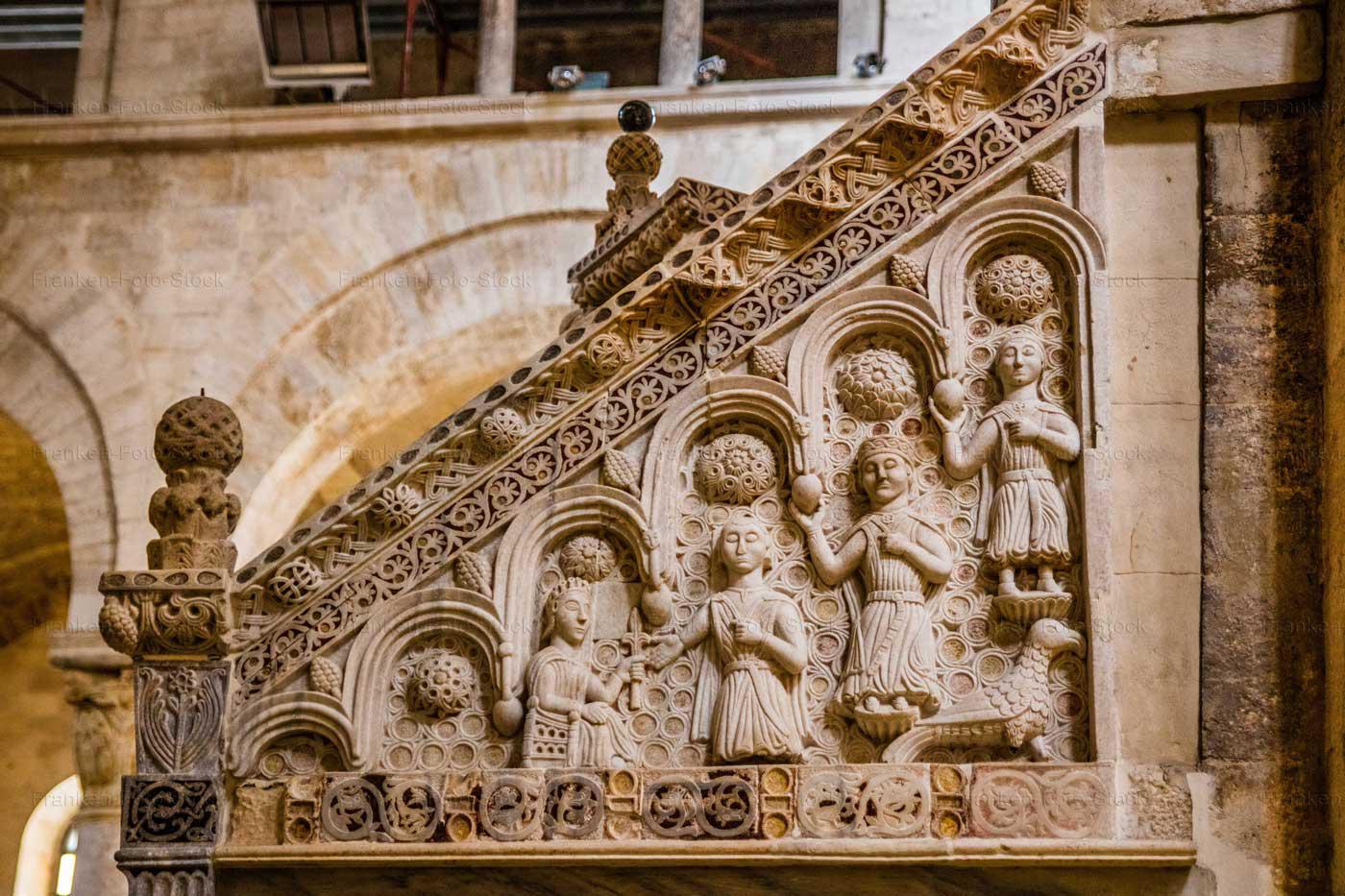Kanzelrelief Kathedrale S. Valentino, Bitonto. Foto R. Franken